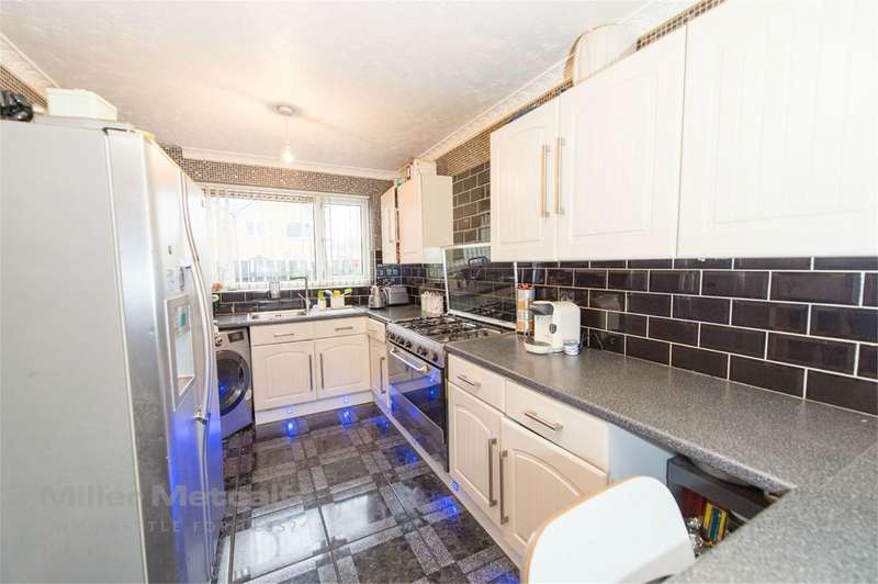 4 Bedrooms Terraced House for sale in Dover Grove, Bolton, BL3