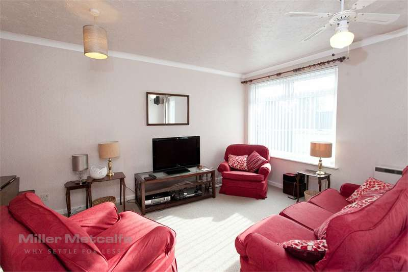 3 Bedrooms Terraced House for sale in Pendle Court, Astley Bridge, Bolton, BL1