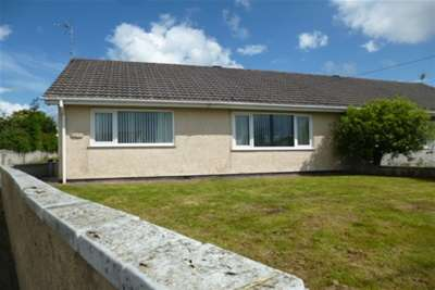 2 Bedrooms Bungalow for rent in Bethel St Austell