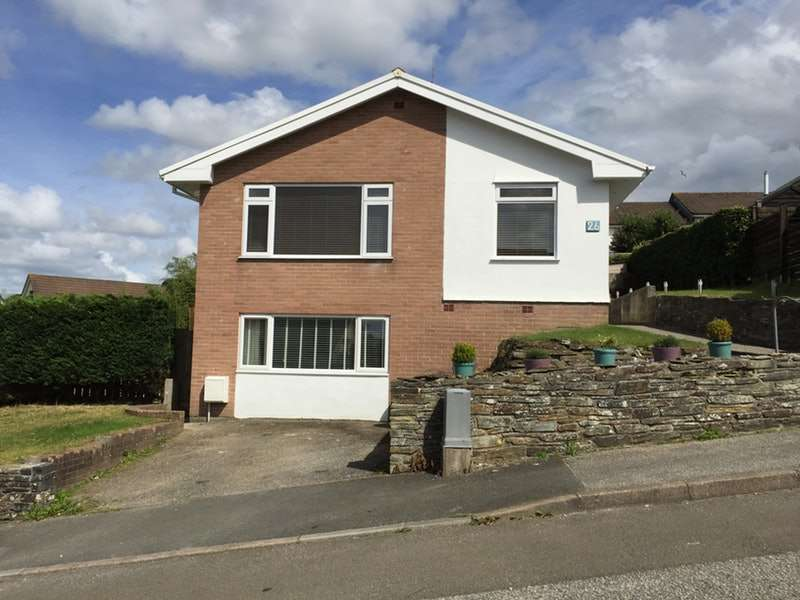 5 Bedrooms Detached House for sale in Tanwood View, Bodmin, Cornwall, PL31