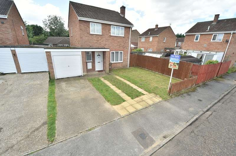 3 Bedrooms Detached House for sale in Plover Close, Beck Row, Bury St. Edmunds
