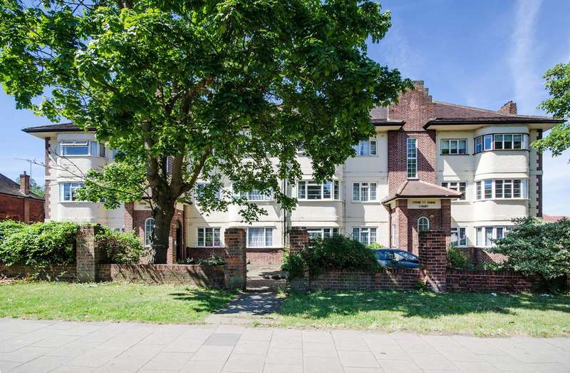 3 Bedrooms Flat for sale in Alexandra Avenue, Rayners Lane, HA2