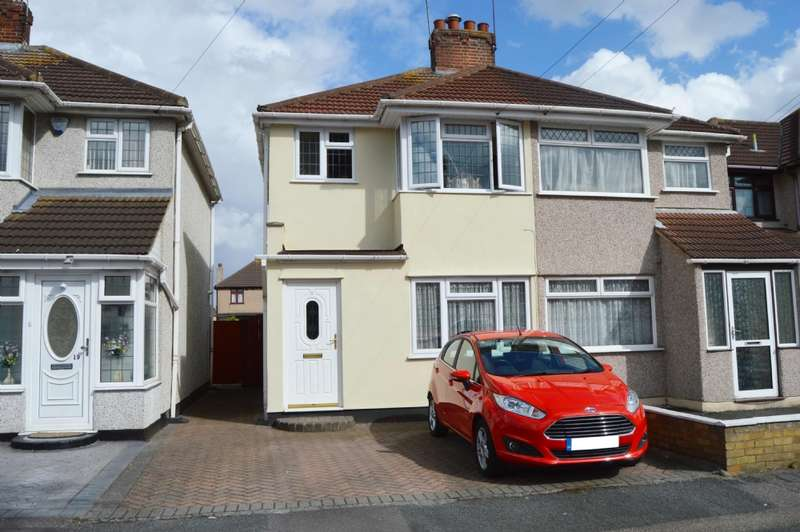 3 Bedrooms Semi Detached House for sale in Calbourne Avenue, Hornchurch