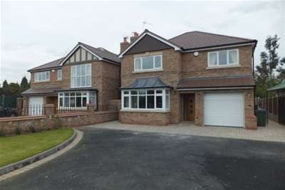 4 Bedrooms Detached House for rent in Ray Hall Lane, Great Barr, B43
