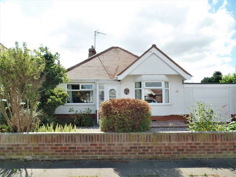 2 Bedrooms Detached Bungalow for sale in Manchester Road, Holland on Sea