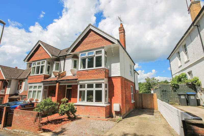 4 Bedrooms Semi Detached House for sale in West Hill, East Grinstead