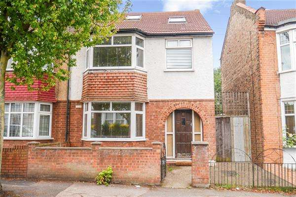 5 Bedrooms Semi Detached House for sale in Ulverston Road, Walthamstow