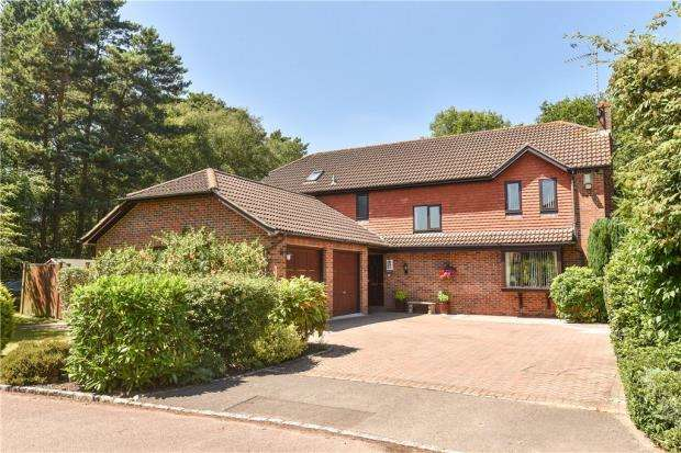 5 Bedrooms Detached House for sale in Ashdale Park, Finchampstead, Wokingham