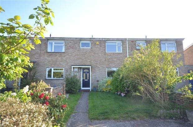 3 Bedrooms Terraced House for sale in Mitchell Avenue, Hartley Wintney, Hook