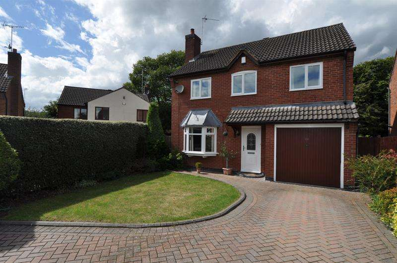 5 Bedrooms Detached House for sale in Otter Close, Winyates Green, Redditch