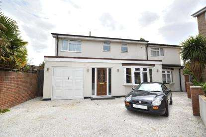 6 Bedrooms Detached House for sale in Thorpe Bay, Essex