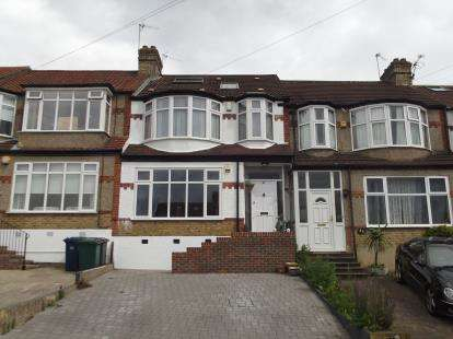 4 Bedrooms Terraced House for sale in Windsor Drive, Barnet