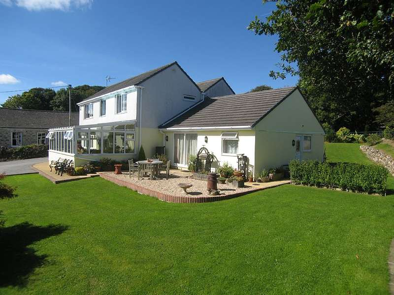5 Bedrooms Detached House for sale in Chapel Hill, Polgooth, St. Austell, Cornwall, PL26