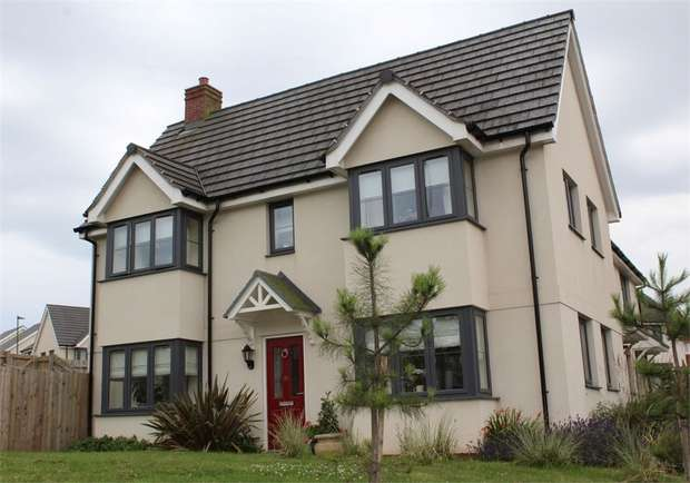 3 Bedrooms Semi Detached House for sale in Mimosa Way, Paignton, Devon