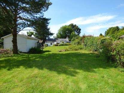 3 Bedrooms Detached House for sale in Llanrug, Caernarfon, Gwynedd, LL55
