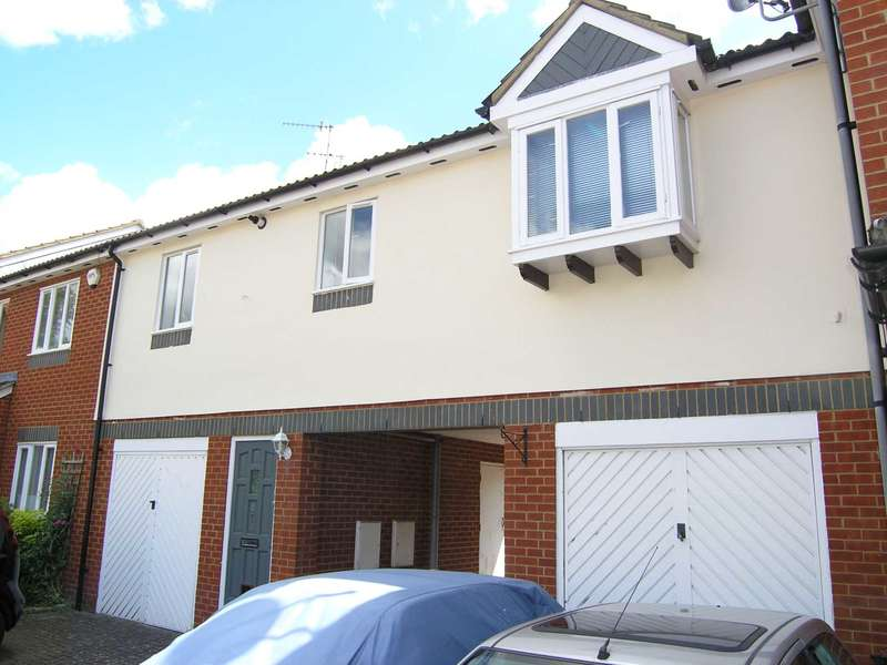 1 Bedroom Flat for sale in Brambling Close, Bushey