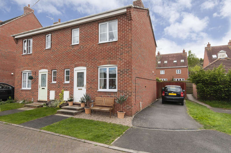 2 Bedrooms Semi Detached House for sale in Frost Fields, Castle Donington