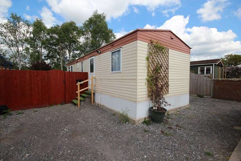 2 Bedrooms Mobile Home for sale in North Poulner Road, Ringwood