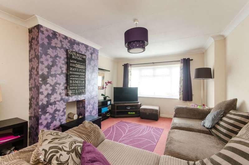 2 Bedrooms Flat for sale in Hermitage Woods Crescent, Woking, GU21