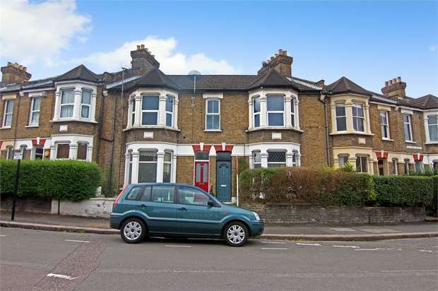 2 Bedrooms Flat for sale in Richmond Road, Leyonstone, London