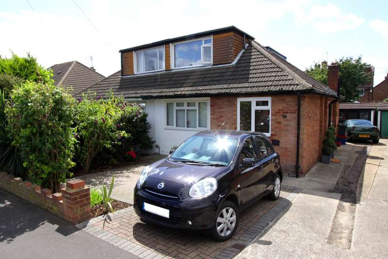 4 Bedrooms Bungalow for sale in Horsham Road, Feltham, TW14