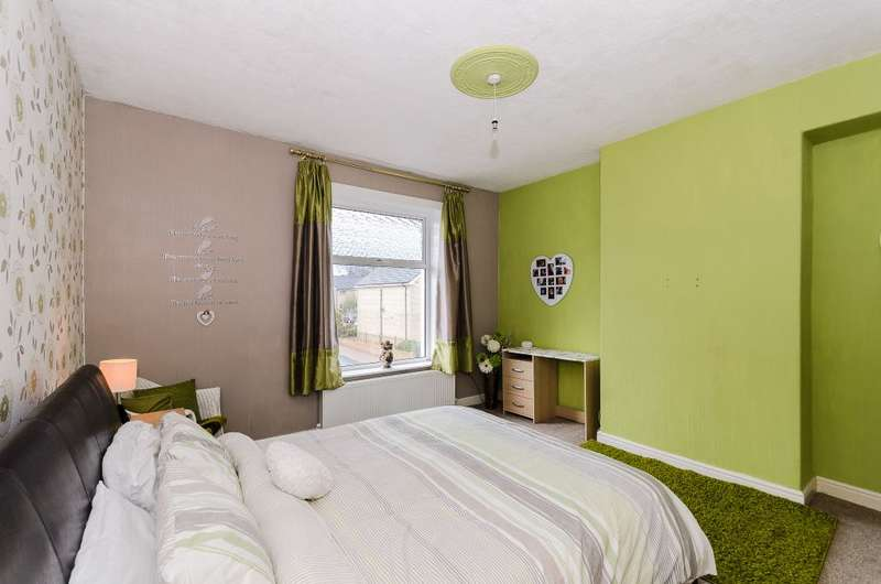 2 Bedrooms Terraced House for sale in Pinder Street, Nelson, Lancashire, BB9 8SB