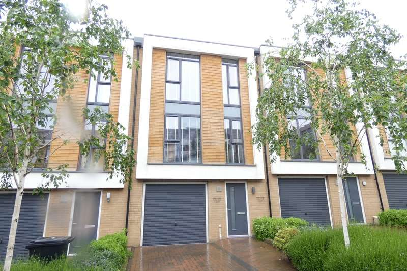 4 Bedrooms Town House for sale in Firepool View, Taunton, Somerset, TA1