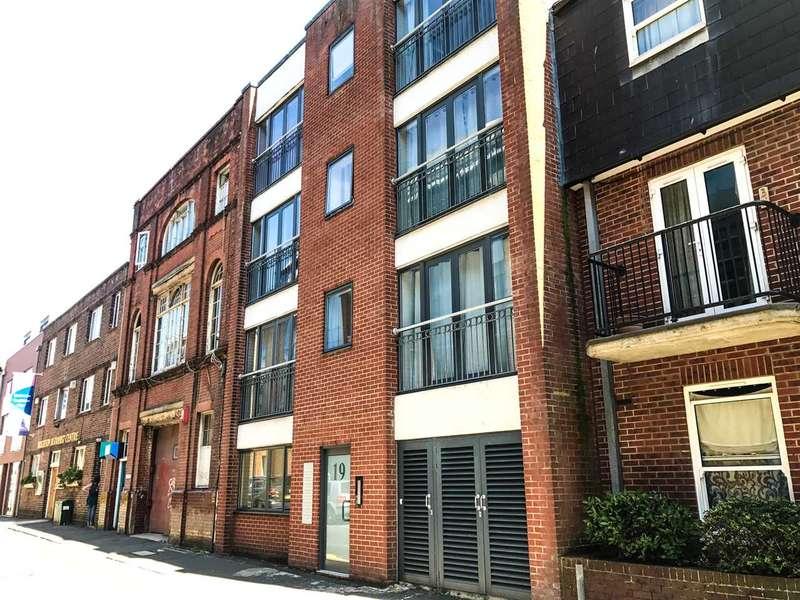 2 Bedrooms Flat for sale in Tichborne Street