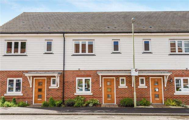3 Bedrooms Terraced House for sale in Willowbourne, Edenbrook, Fleet