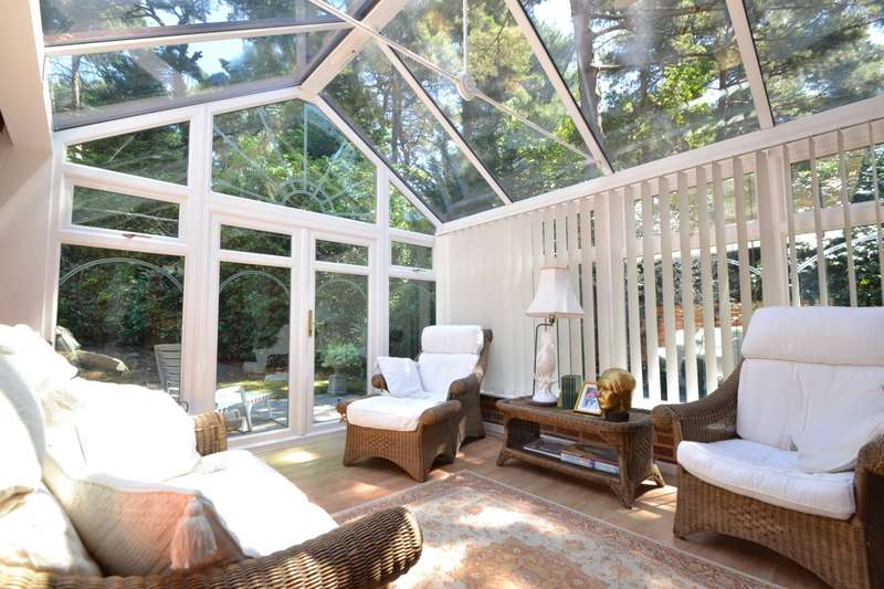 4 Bedrooms Detached House for sale in Canford Cliffs