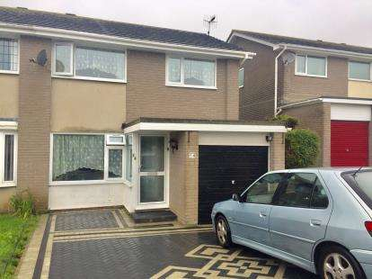 3 Bedrooms Semi Detached House for sale in Torpoint, Cornwall