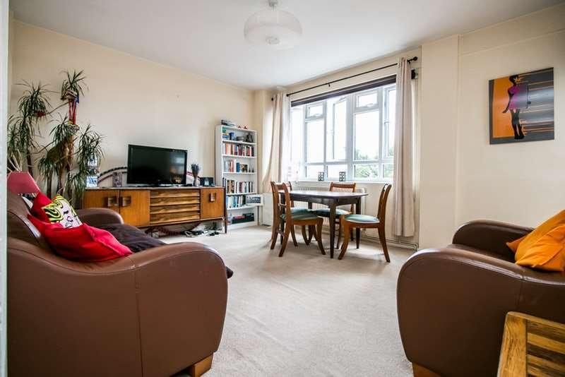 3 Bedrooms Flat for sale in Albert Drive, London, London, SW19