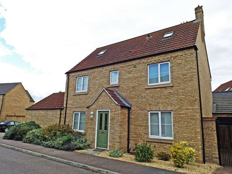 4 Bedrooms Detached House for sale in Bellamy Close, St Neots, Cambridgeshire, PE19
