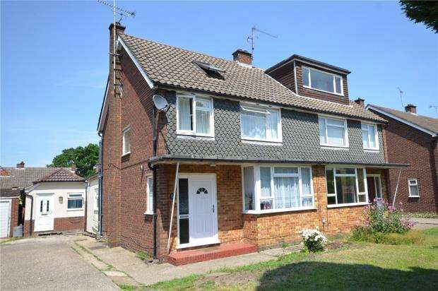 4 Bedrooms Semi Detached House for sale in Greenwood Road, Crowthorne, Berkshire