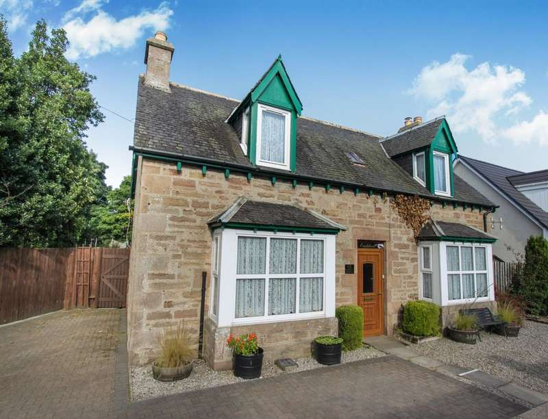3 Bedrooms Detached House for sale in Market Street, Alness, IV17