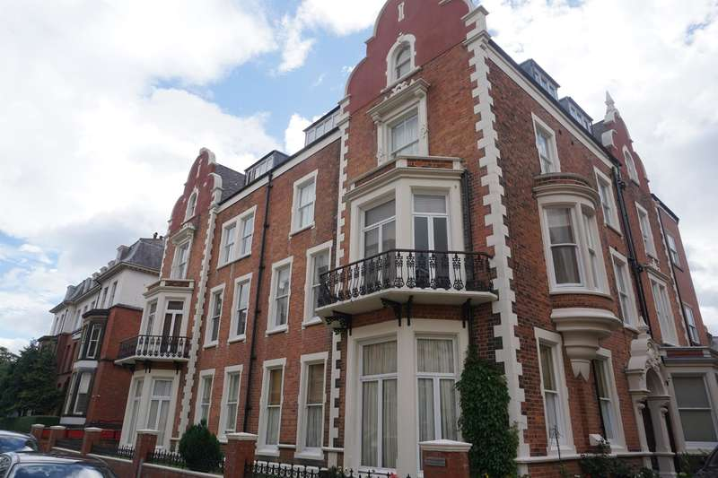 2 Bedrooms Apartment Flat for sale in Summerdale Apartments, Prince Of Wales Terrace, Scarborough, YO11 2AN