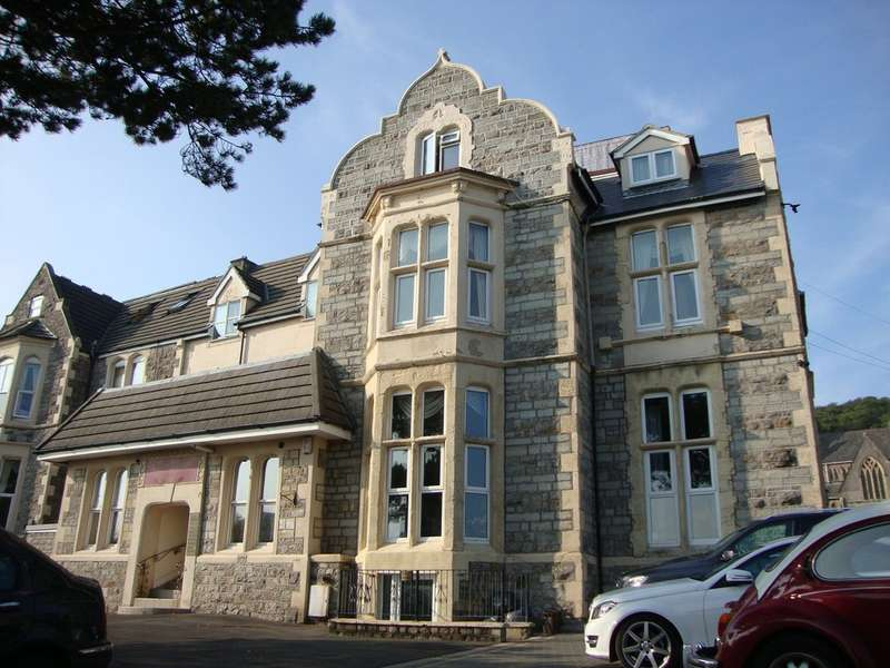 3 Bedrooms Flat for sale in Atlantic Road South, Weston-super-Mare