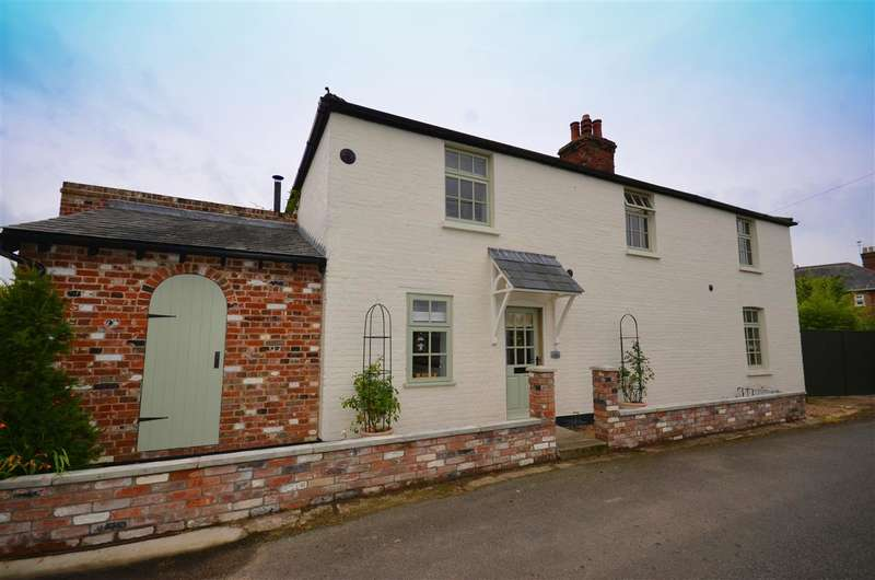 4 Bedrooms Cottage House for sale in Reedham, NR13