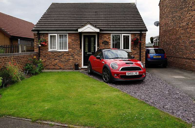 2 Bedrooms Detached Bungalow for sale in Churchfields, Barnton, Northwich, Cheshire, CW8 4UR