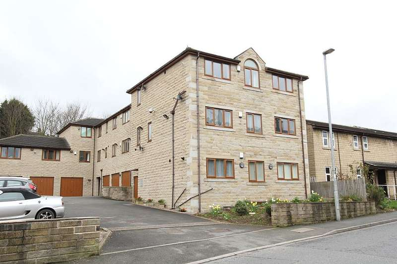 2 Bedrooms Penthouse Flat for sale in Flat 3, Hesketh Court, 30 Union Road, Liversedge, West Yorkshire, WF15 7PJ