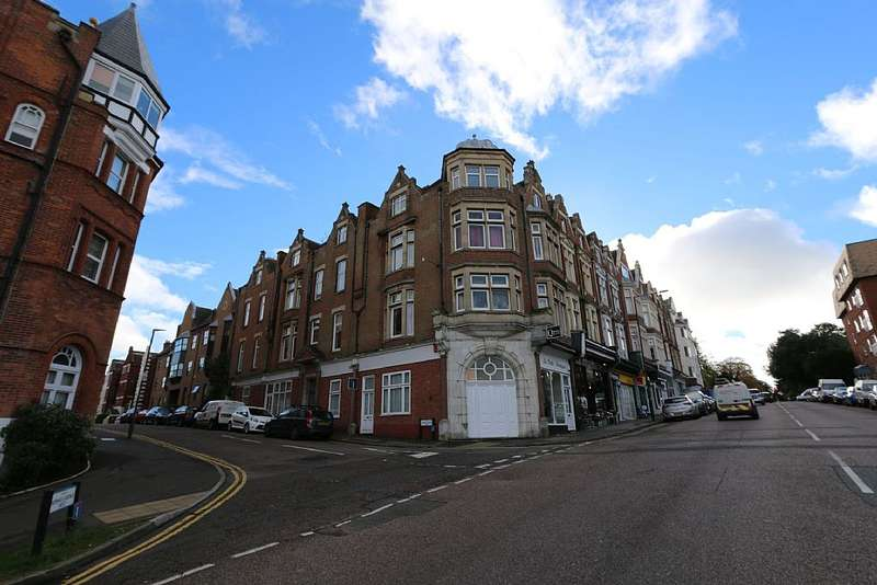 1 Bedroom Flat for sale in Norwich Avenue West, Bournemouth, Dorset, BH2