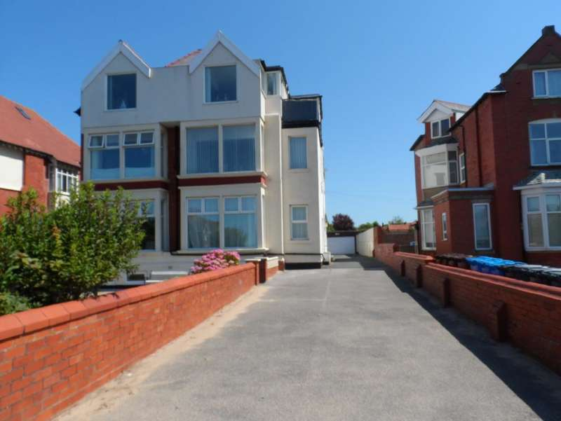 2 Bedrooms Property for sale in Flat 2, 473, Lytham St. Annes, FY8 2PS