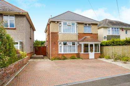 4 Bedrooms Detached House for sale in Talbot Park, Bournemouth, Dorset