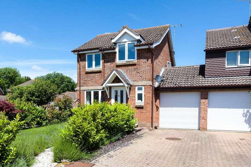 3 Bedrooms Link Detached House for sale in Robin Close, Horsham