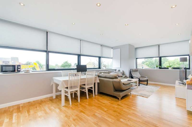 1 Bedroom Flat for sale in Northolt Road, South Harrow, HA2