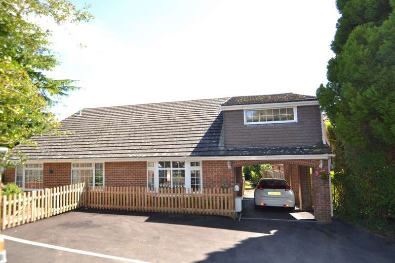 5 Bedrooms Detached House for sale in Lytchett Matravers