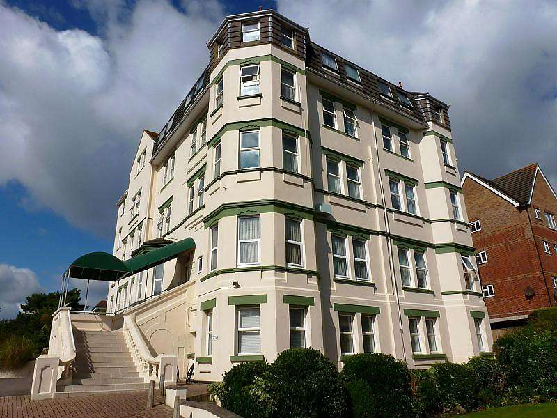 1 Bedroom Apartment Flat for rent in Carlton Court, Christchurch Road, Bournemouth