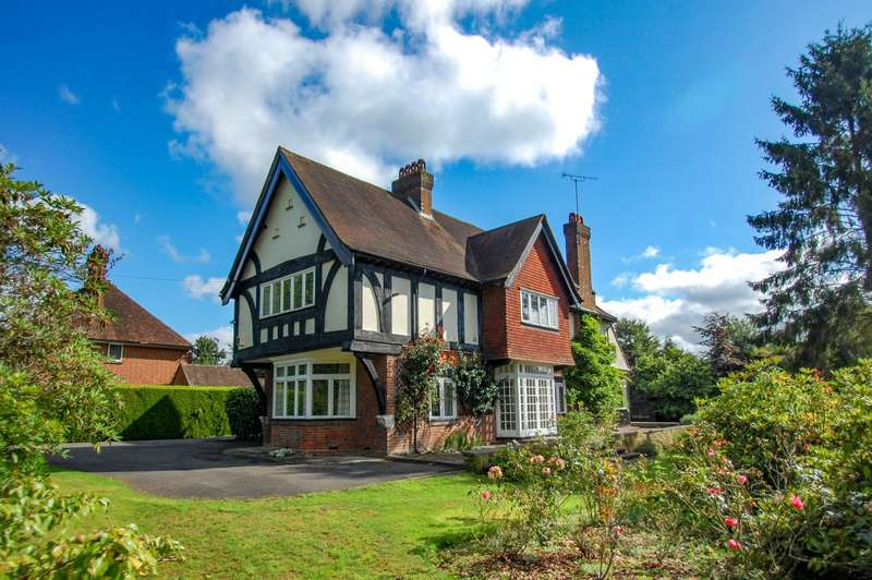 6 Bedrooms Detached House for sale in Oval Way, Gerrards Cross, SL9