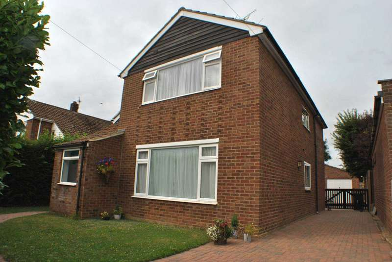 5 Bedrooms Semi Detached House for sale in Pilgrims Way, Canterbury