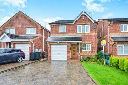 3 Bedrooms Detached House for sale in Crowtrees Drive, Sutton-In-Ashfield, Nottinghamshire